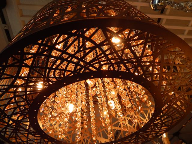crystal-metal-basket-hanging-pendant-light