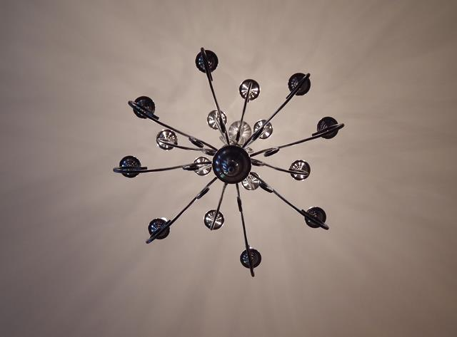 indoor-pewter-traditional-chandelier