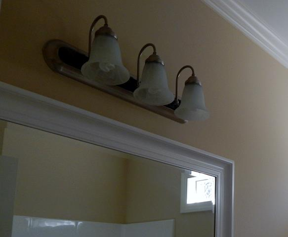 three-light-frosted-glass-vanity-light-fixture