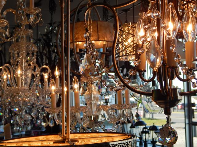 traditional-indoor-chandelier